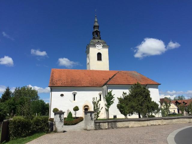 Župnijska cerkev Kostanjevica na Krki